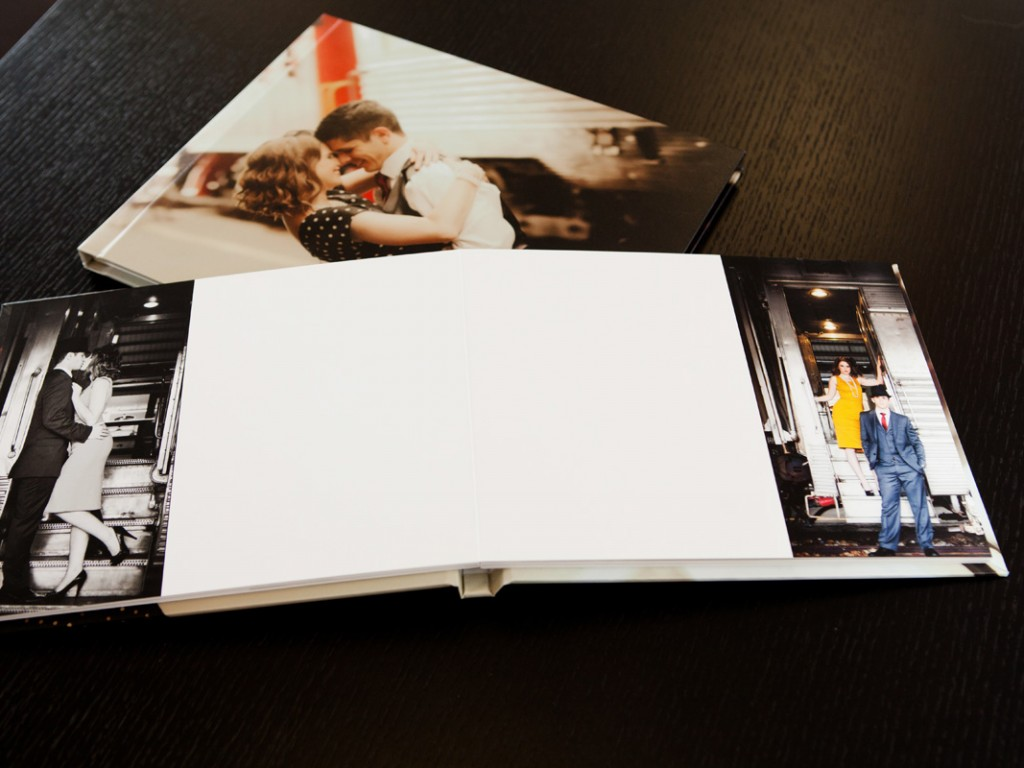 The Giclée Signature Book